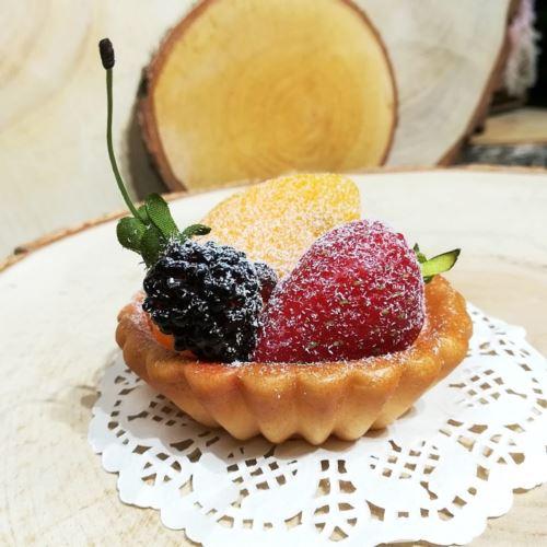 Tartaletka z owocami 8cm imitacja 65289-33 (3)